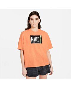 NIKE - w nsw tee wash - Oranje