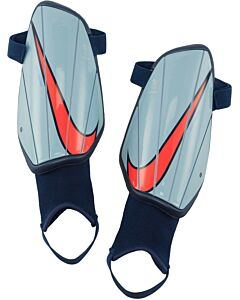 NIKE - nike charge soccer shin guards - Blauw